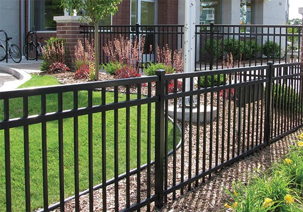 mfos_fence-pages_aluminum_commercial_02