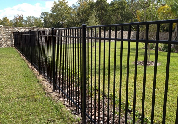 mfos_fence-pages_aluminum_residential_02